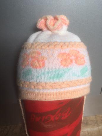 Теплая шапка на завязках на 1,5-2,5 годика