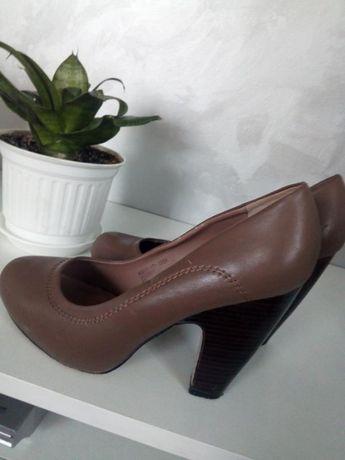 Туфлі жіночі еко-кожа розмір 39 рекомендую