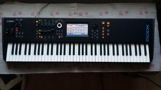 Продам синтезатор YAMAHA MODX 7