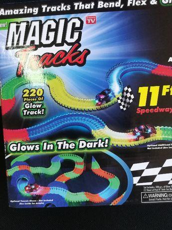 Magic Tracks гибкий светящийся трек конструктор,220 деталей