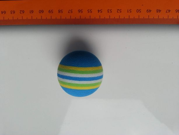 Piłeczka do domowego golfa, 4cm, z twardej nieściśliwej gąbki
