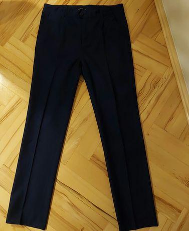 Sprzedam spodnie eleganckie chłopięce