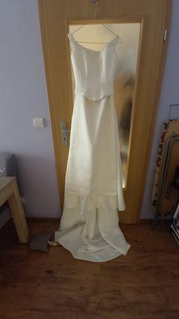 suknia ślubna z odpinanym trenem