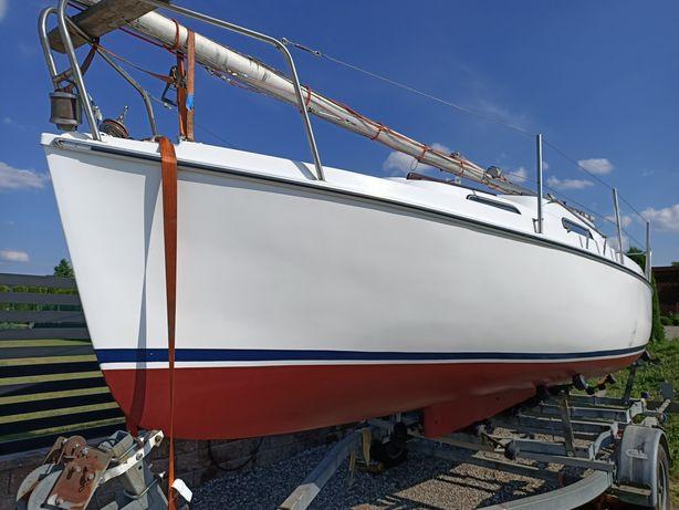 Jacht żaglowy Marina 23. Zamiana