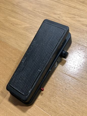 Dunlop Crybaby Fuzz Wah, Cabos, footswitch, outros