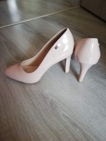 Szpilki buty na obcasie
