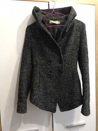 Пальто піджак з капюшлном розмір с