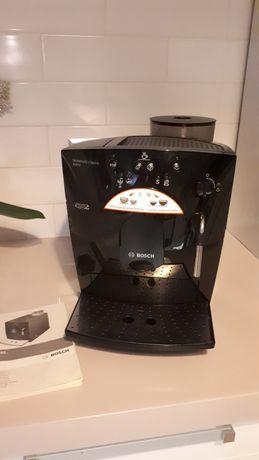 Ekspres do kawy z młynkiem firmy Bosch