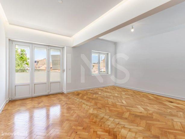 Apartamento T2 para arrendamento sem móveis junto ao Páte...