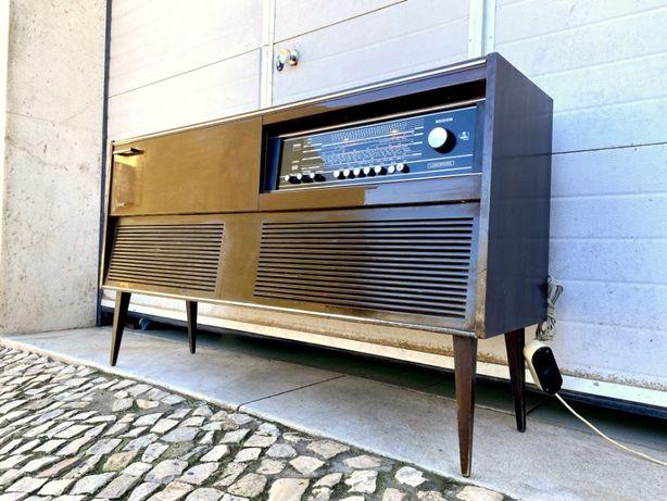 Aparador rádio gira discos lumophon a funcionar 133.5comp x 35prof x