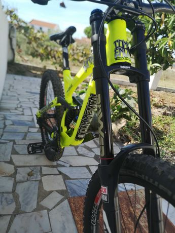 Bicicleta DH Commencal Supreme v3