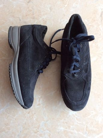 Черевики. Красовки. Снікерси. Обувь . СРОЧНО