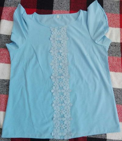 Голубая блуза без рукавов