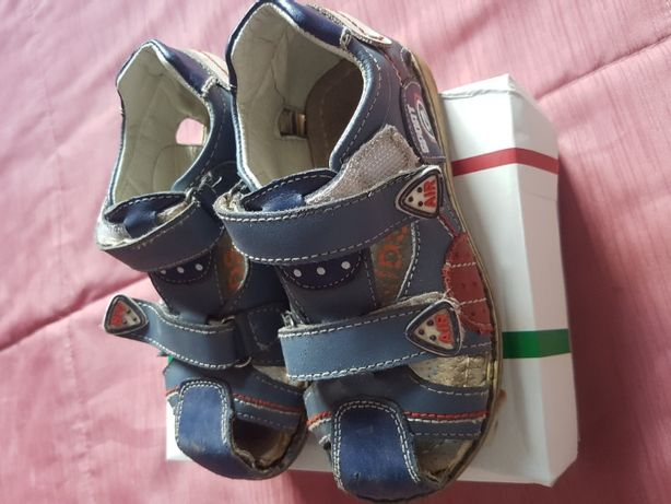 продам ортопедическую детскую обувь