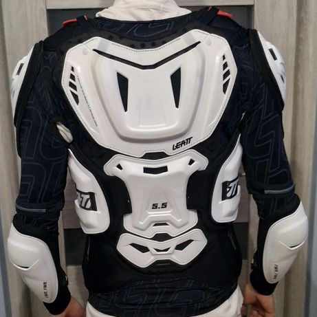 Zbroja Leatt Body Protector 5.5 White