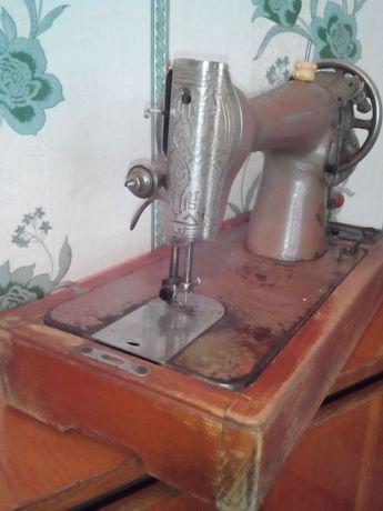 продам швейную ручную машинку
