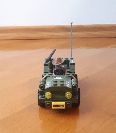 Klocki lego samochód bojowy 2