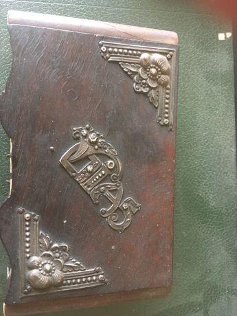Guarda joias emMadeira com aplicacao em prata para restauro