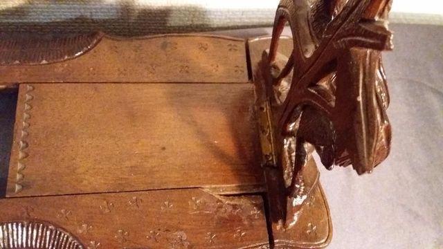 Старинная редкая деревянная резная раскладная подставка для книг