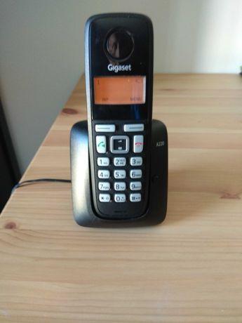 Telefone sem fios Gigaset A220 e base de carregamento A220