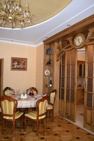 Продається 3-х кімнатна квартира з євроремонтом і меблями