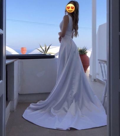 Белоснежное свадебное платье со шлейфом, продажа платья со шлейфом