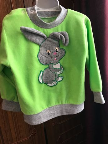 Милый свитер для малыша