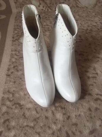 Весільні чевички