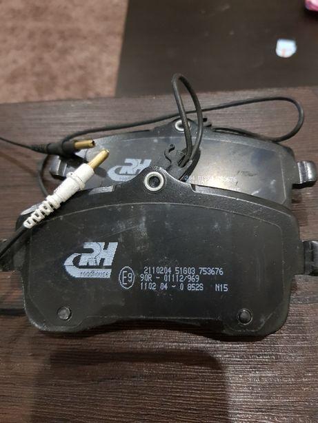Тормозные колодки Пежо 407