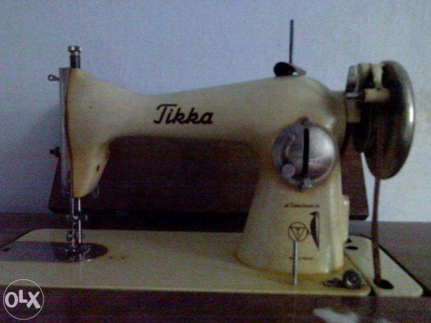 Швейная машинка Швейна машинка