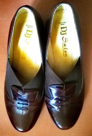 Продам женские кожаные коричневые туфли