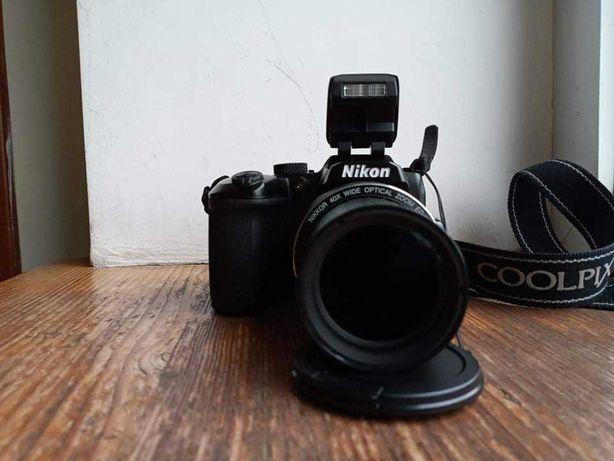Продам зеркальний фотоапарат Nicon b500