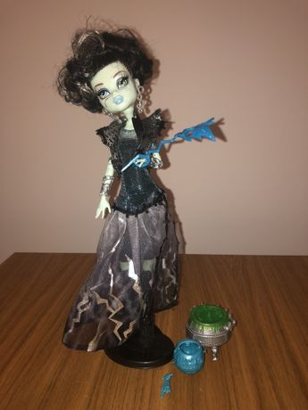Frankie Stein Halloween Monster High