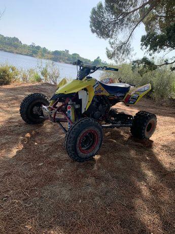 Vendo moto 4 LTR 450