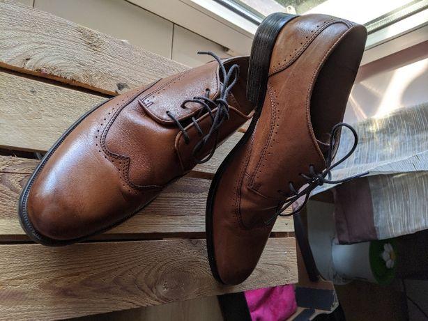Buty męskie brązowe lasocki do garnituru