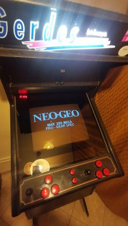Solidna Maszyna Arcade z lat 90tych automat do gier NEO GEO MVT