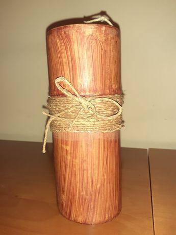Vela decorativa em madeira e corda