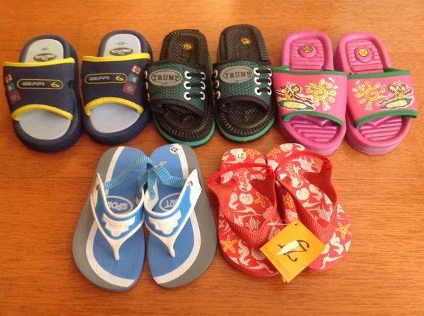 Sandálias e chinelos de praia/piscina NOVOS