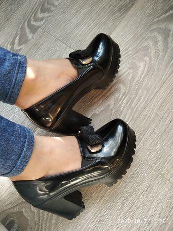 Туфли лаковые на каждый день