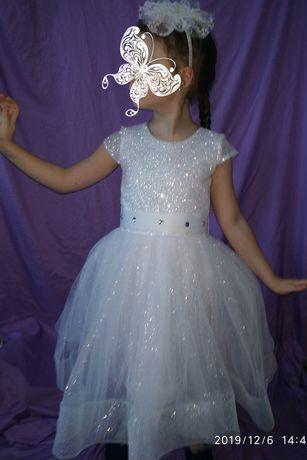 Платье бальное нарядное 122-128 новогоднее, костюм снежинки