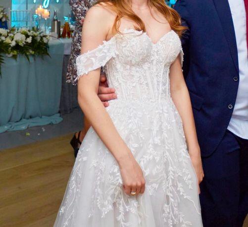 Romantyczna Suknia Ślubna Gorset Opadające ramiona i koronka