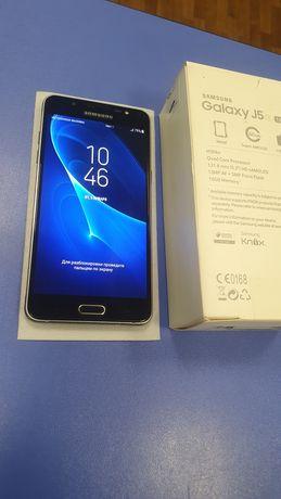 Смартфон Samsung J5 2016 (SM-J510H) 2/16 Гб
