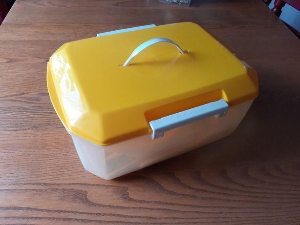 caixa de piquenique - pratos, talheres e copos para 4 pessoas