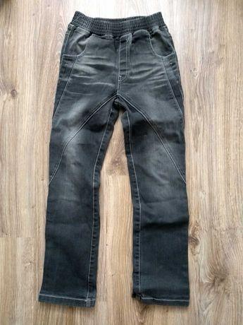 Spodnie jeansowe chłopięce 134