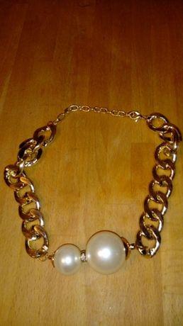 Avon Łańcuszek Naszyjnik w złotym kolorze z perłowymi koralami