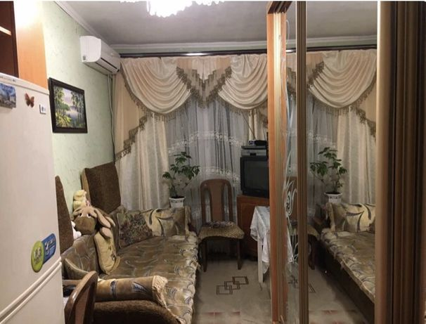 коммунальная квартира   на  Семинарской
