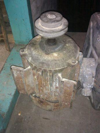 Электродвигатель 4 квт 380/220
