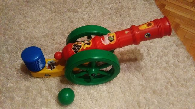 zabawki: odkurzacz, pralka, armata
