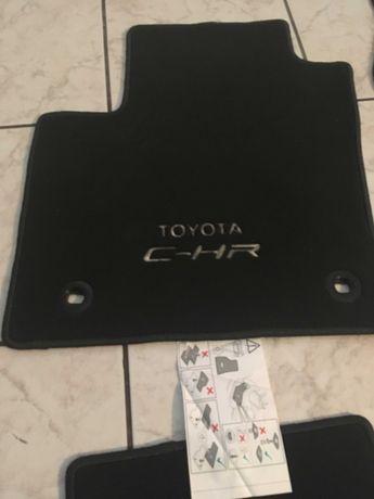 nowe dywaniki welurowe oryginał Toyota CHR Hybryd