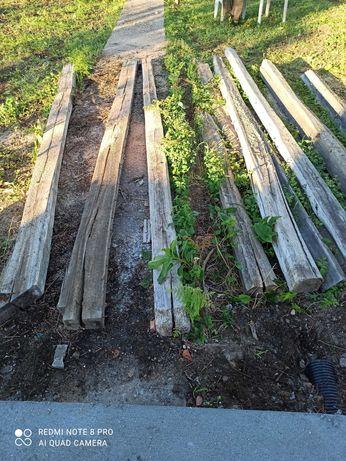 Barrotes em madeira